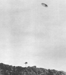 1952-1a-ovni-ufo-barra-da-tijuca-brazil-may-7.jpg