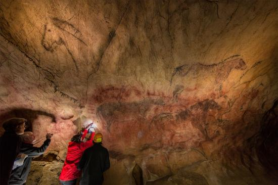 Alistair pike cave art 01 84487 990x742