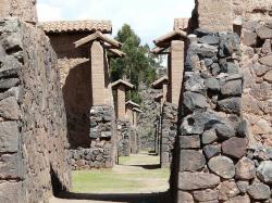 altiplano-raqchi-temple-wiracocha9.jpg