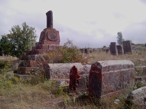 Angeghakot tombes