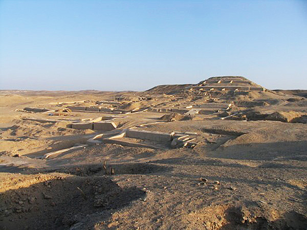 Cahuachi pyramid