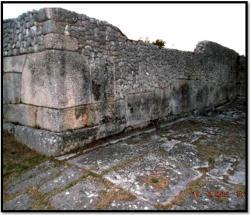 cyclopean-ruins-alba-fucens-2.jpg