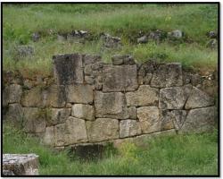 cyclopean-ruins-alba-fucens-4.jpg