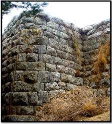 cyclopean-ruins-assini-1.jpg