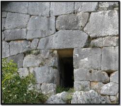 cyclopean-ruins-norba-italy-7.jpg