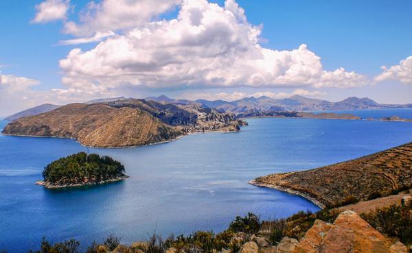 Lake titicaca grande