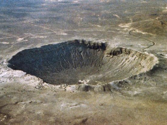 meteor-crater-dans-l-arizona-htm.jpg