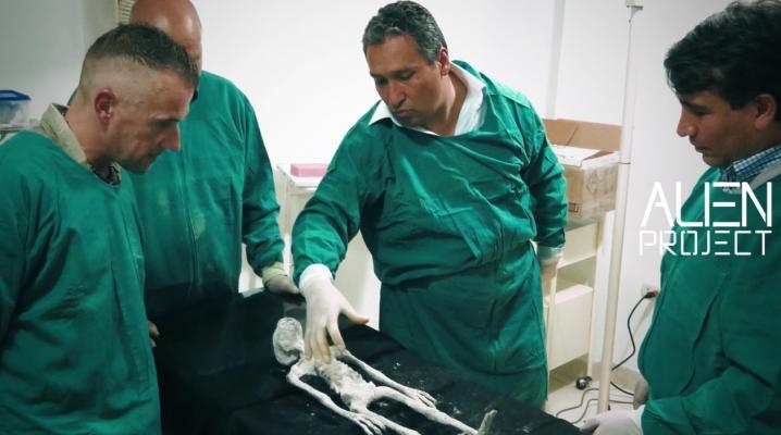 Momie60cm2 docteurs