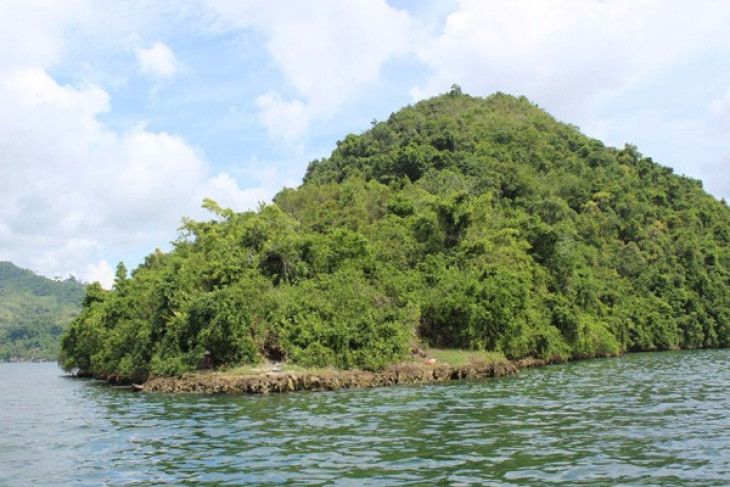 Mount srobu in the yotefa bay area indonesie