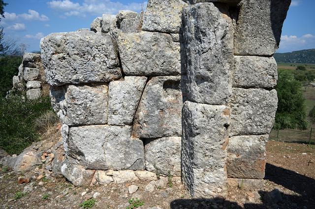 Oiniadai ancienpont pilier