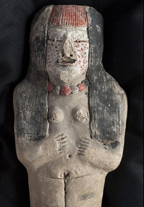 Peru priestess statuette