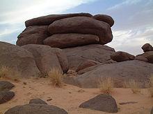 rocher-dans-massif-de-timidjileline.jpg