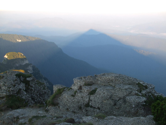 Roumanie ombrepyramide1