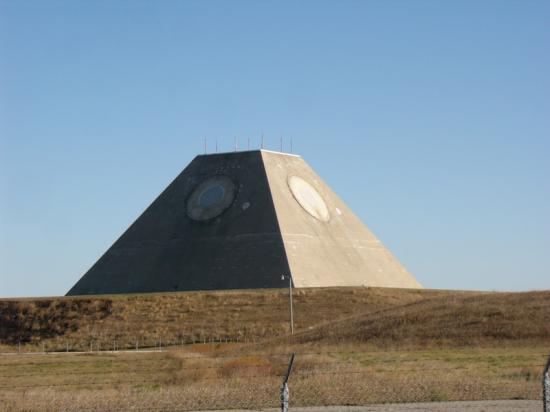 safeguard-missile-site-radar.png