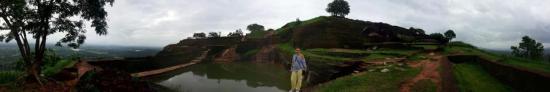 sigirya-sri-lanka-niveau5-panorama-pyramide2.jpg