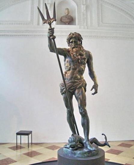 Statue de poseidon