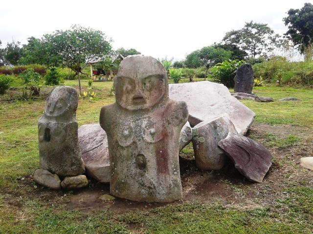 Sulawesi monolithes4