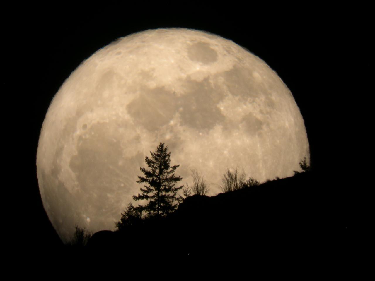 super-moon-2011-tim-mccord-entiat-wash