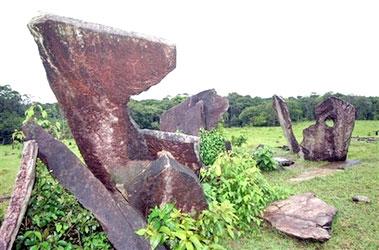 Tropicalstonehenge03