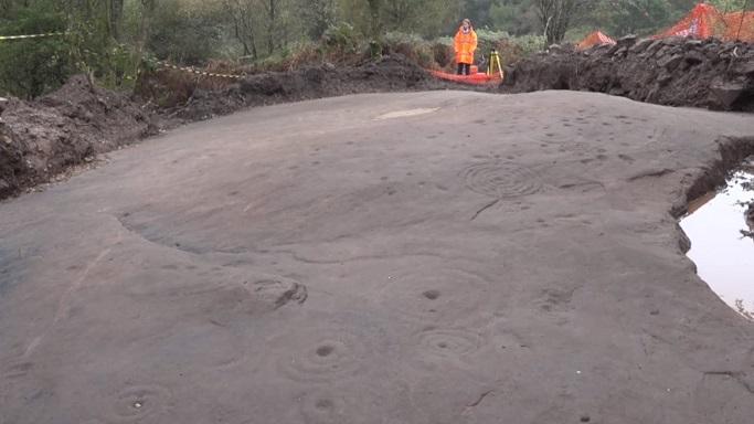 Un art rupestre vieux de 5000 ans reste un mystere en ecosse 1