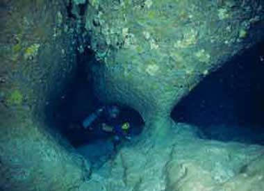 stalactite_cavern2