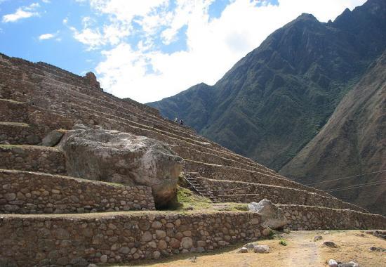 800px-patallacta-terraces.jpg