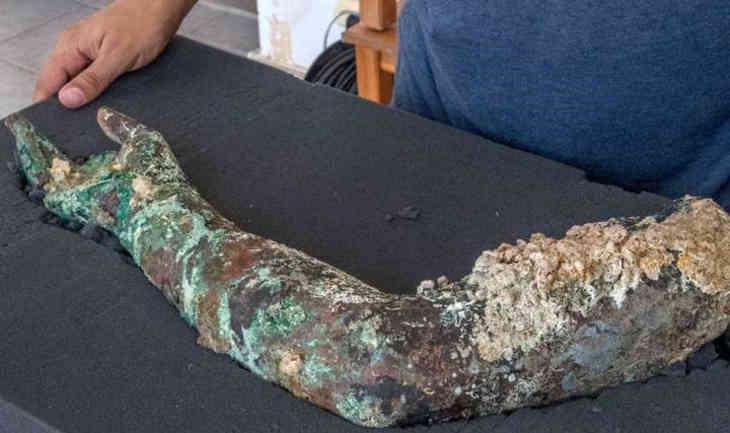 Antikythera bronze arm
