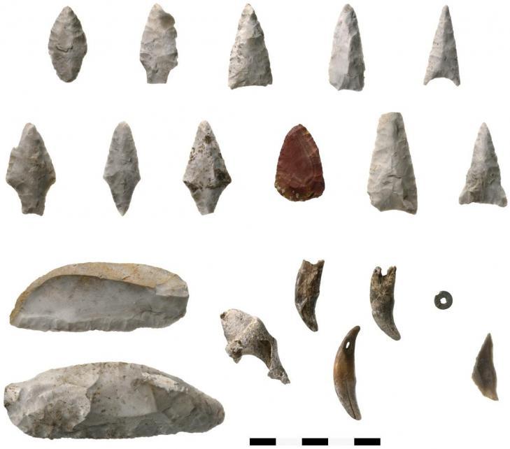 Artefacts neolithiques dolmen d oberbipp