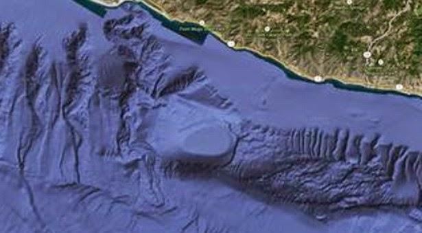 Base ufo california4