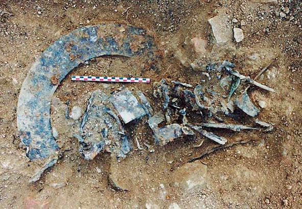 Chevroches fouilles3 depotmetal 2002