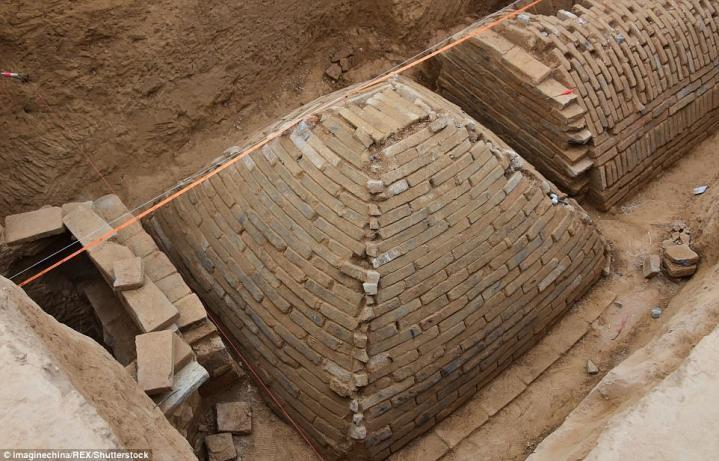 Chine tombepyramidale