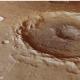 Mars : des puits dans des cratères et Curiosity autonome