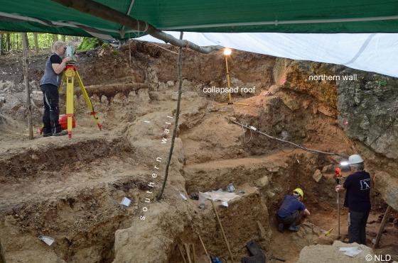 Former cave entrance gravureneandertal