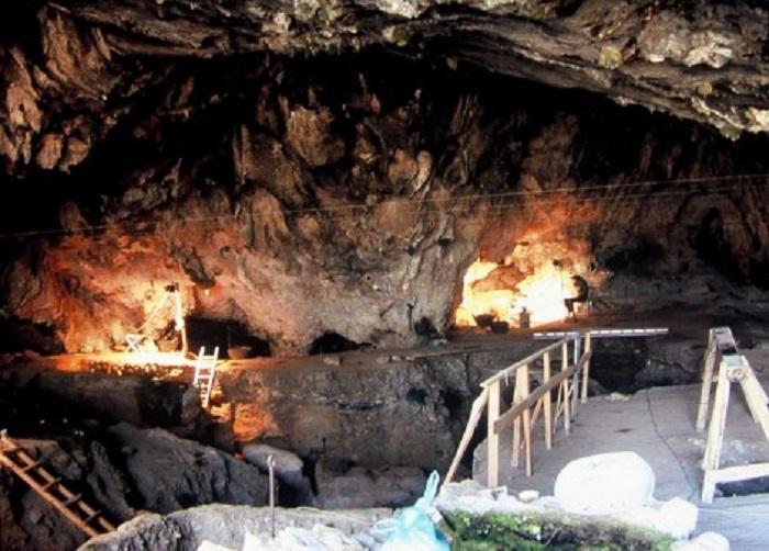 Grece grottetheopetra8