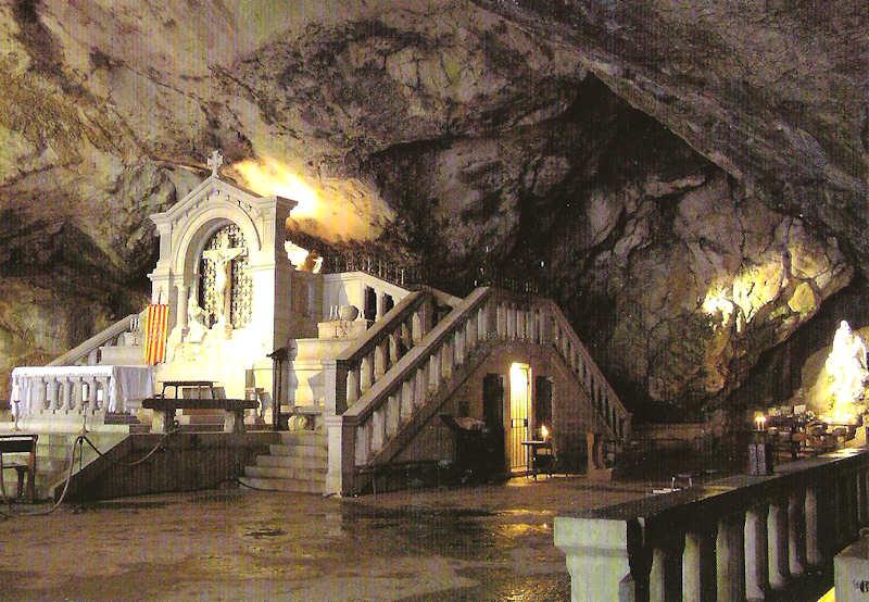 Grotte stebaume1