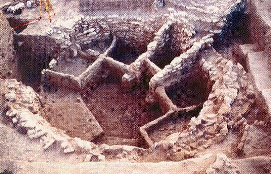 hameau-jerf-syrie2-batiment-communautaire-enterre.jpg