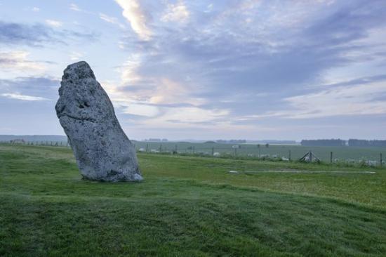 Heelstone stonehenge