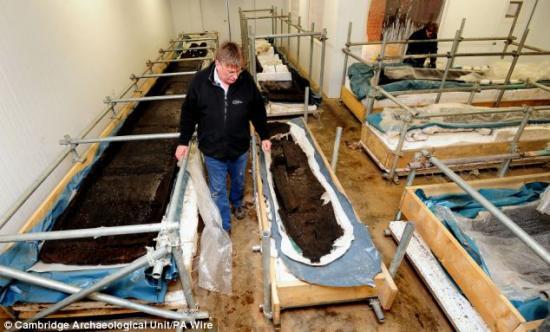huit-bateaux-prehistoriques3.jpg