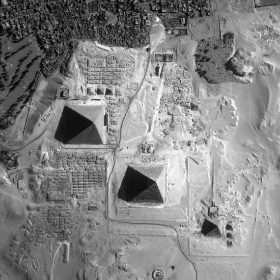 images-010-photos-170-satellites-pyramides-egypte-019.jpg