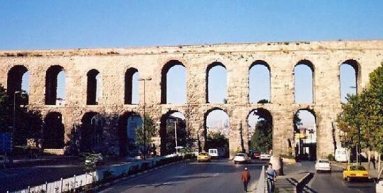 Istanbul aqueduc valens