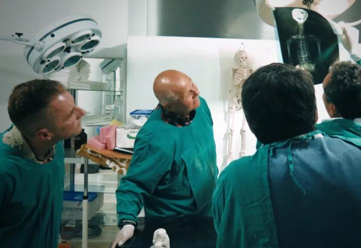 Momie60cm1 docteurs