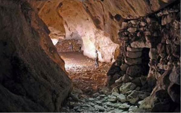 Montshasta tunnel grotte