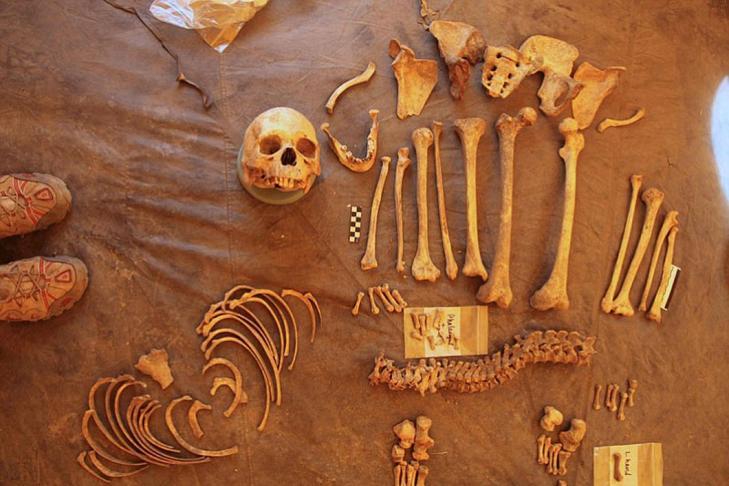 Mustang nepal tombs samdzong human remains tx800