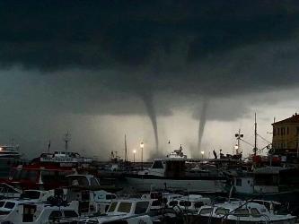 orages-adriatique-12-sep-13-02-mini.jpg