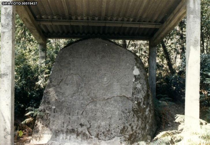 Pedra escrita portugal0