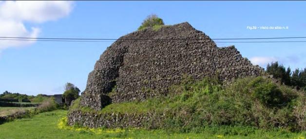 Pyramides madalena pico acores4 fig39