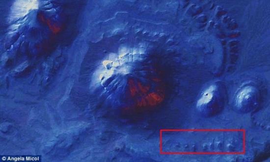 pyramides-micol1.jpg