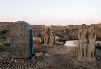 Site archeologique bouto egypte statues