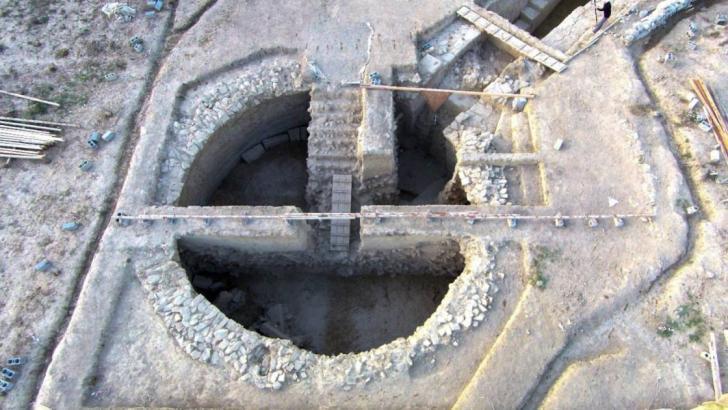 Tombes grece 3500c