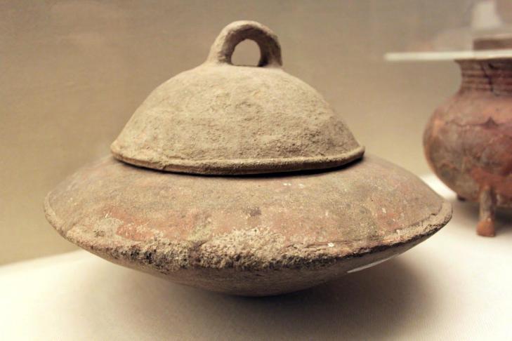 Yangshao culture cauldron fu